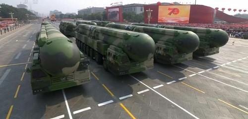 Cận cảnh dàn vũ khí tối tân trong lễ duyệt binh kỷ niệm 70 năm Quốc khánh Trung Quốc - Ảnh 14