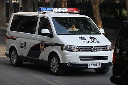 Trung Quốc: Bố bán con gái cho người lạ lấy tiền cho bạn gái trên mạng - Ảnh 1