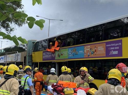 Hồng Kông: Hai xe buýt va chạm kinh hoàng, ít nhất 77 người bị thương - Ảnh 3