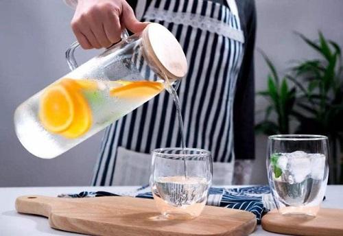 Hai thời điểm nên tránh khi uống nước, cơ thể sẽ cảm ơn bạn - Ảnh 1