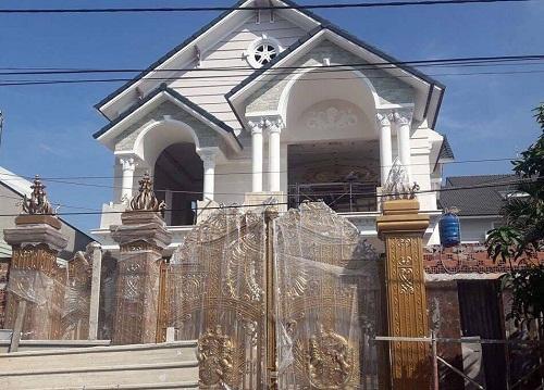 Sập giàn giáo xây biệt thự, 2 công nhân tử vong - Ảnh 1