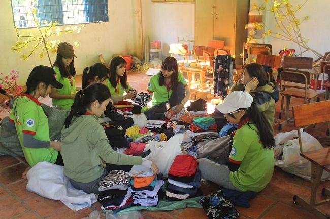 ĐH Công Nghiệp Thực phẩm Tp.HCM chia sẻ khó khăn với sinh viên xa nhà và học sinh vùng khó khăn  - Ảnh 3