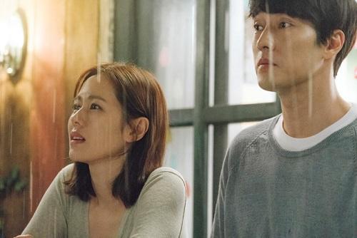 """Chị """"đẹp"""" Son Ye Jin thống trị cả mảng truyền hình lẫn điện ảnh - Ảnh 2"""