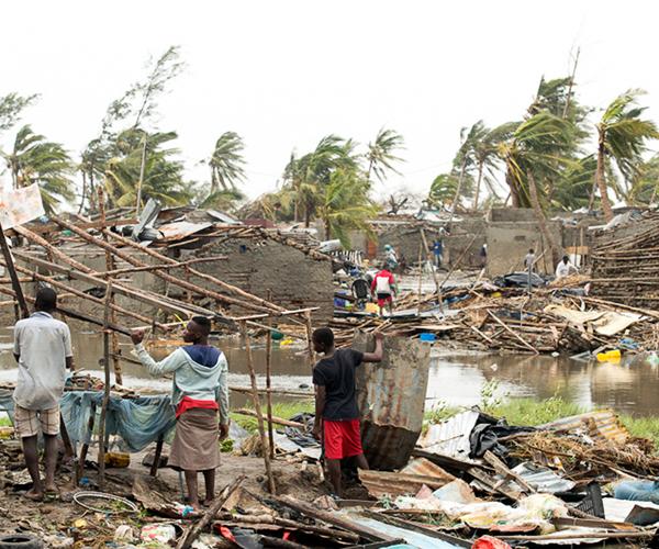 Hơn 1.000 người có thể thiệt mạng tại Mozambique và Zimbabwe do siêu bão Idai - Ảnh 1