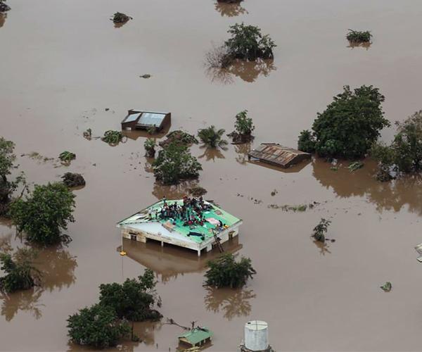Hơn 1.000 người có thể thiệt mạng tại Mozambique và Zimbabwe do siêu bão Idai - Ảnh 2