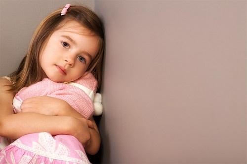 Trẻ tự kỉ, tăng động có nguy cơ cao bị rối loạn tâm trạng - Ảnh 1
