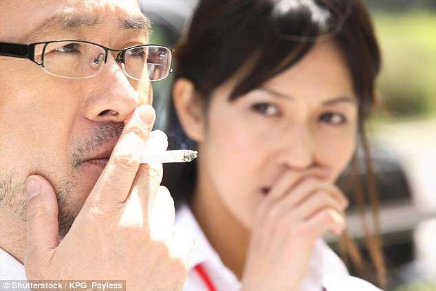 Hút thuốc lá tại Nhật: 45 phút sau mới được phép sử dụng thang máy - Ảnh 1