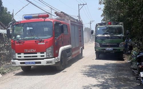 Cháy lớn tại kho phế liệu ở vùng ven Sài Gòn  - Ảnh 2