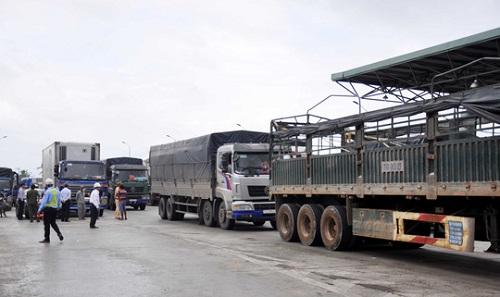 Tài xế dừng xe phản đối, BOT Ninh Lộc phải xả trạm trong ngày 1/5 - Ảnh 2
