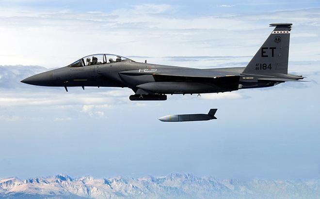 Cuộc chiến sống còn giữa S-400 của Nga và JASSM Mỹ trên bầu trời Syria - Ảnh 2