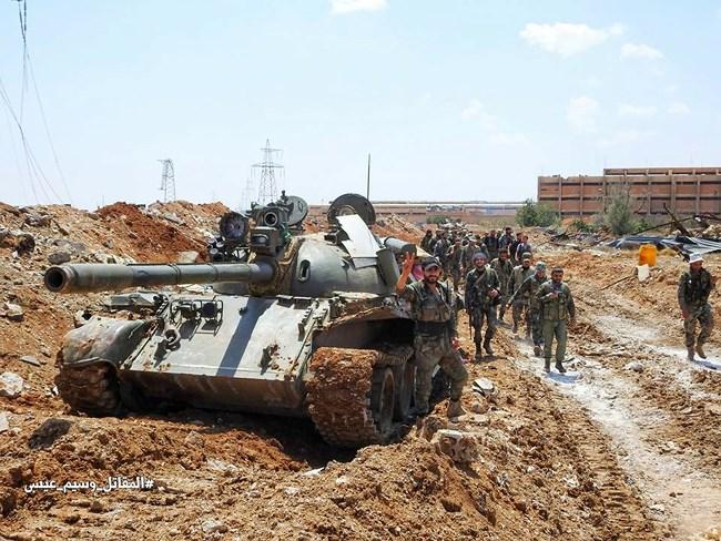 Syria tấn công kép tiêu diệt quân khủng bố ở Bắc Hama và Nam Damascus - Ảnh 2