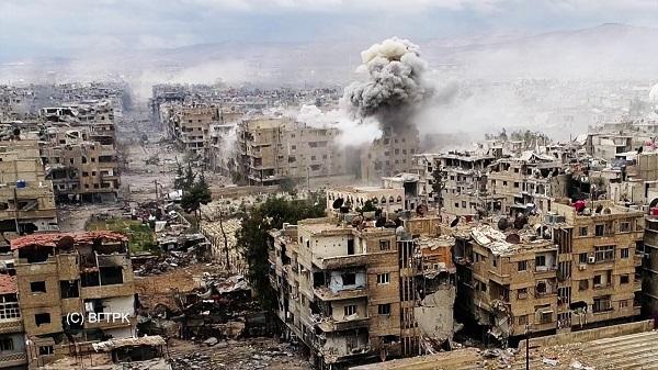 Quân đội Syria phối hợp với liên minh kết liễu IS tại Hajar Al-Aswad và Yarmouk. - Ảnh 1