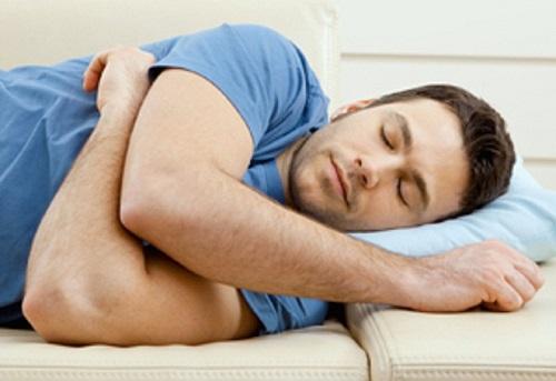 Cảnh báo: Tăng 56% nguy cơ đột quỵ nếu ngủ nhiều hơn 8 tiếng một ngày - Ảnh 1