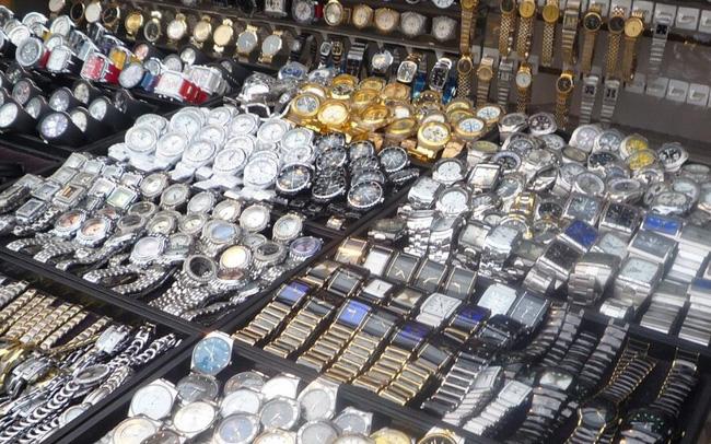 QLTT truy quét gần 16.000 nhái các thương hiệu Rolex, Omega, Chanel - Ảnh 1