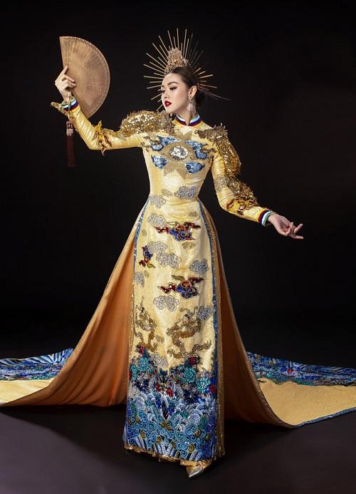 """Chiêm ngưỡng 2 bộ quốc phục đầy """"quyền uy"""" Tường San mang tới Miss International 2019 - Ảnh 2"""