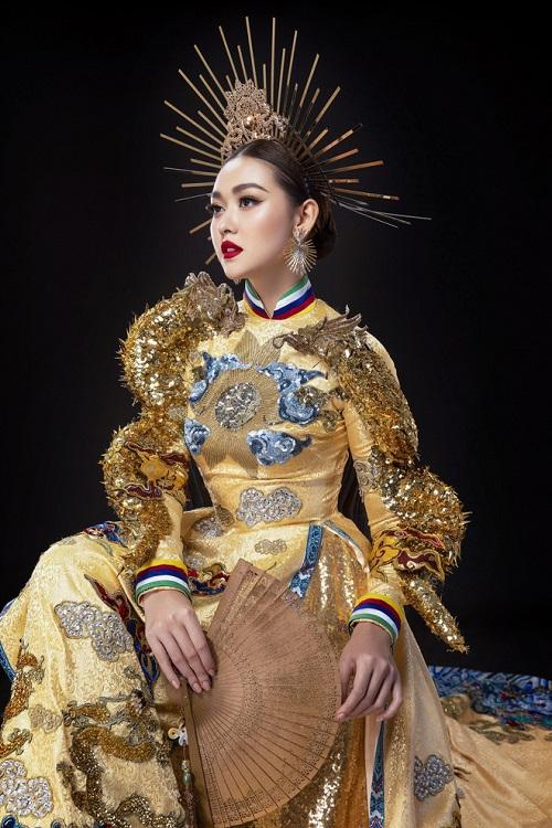 """Chiêm ngưỡng 2 bộ quốc phục đầy """"quyền uy"""" Tường San mang tới Miss International 2019 - Ảnh 4"""