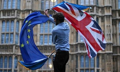 EU chấp thuận đề nghị của Anh, gia hạn Brexit đến tháng 1/2020 - Ảnh 1