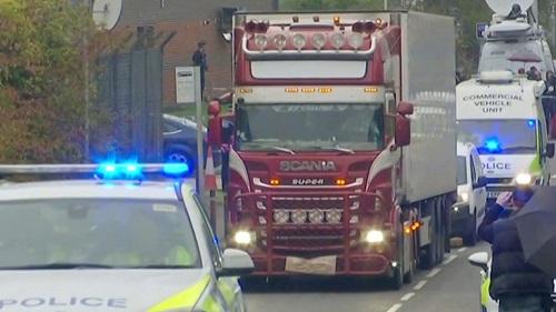 Vụ 39 thi thể trong container ở Anh: Nghi phạm từng gọi điện cho cảnh sát để dò la - Ảnh 2