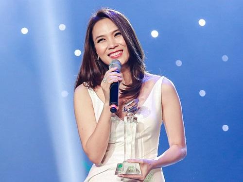 """Bí quyết duy trì nhan sắc """"không tuổi"""" của dàn mỹ nhân sao Việt dù chạm ngưỡng U40 - Ảnh 10"""