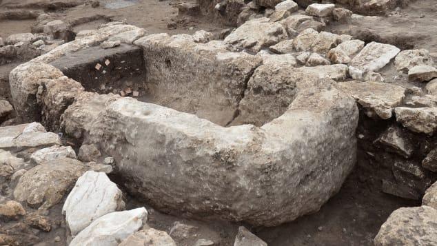 Các nhà khảo cổ tìm thấy thành phố 5.000 tuổi hiện đại như New York ở Isarel - Ảnh 2