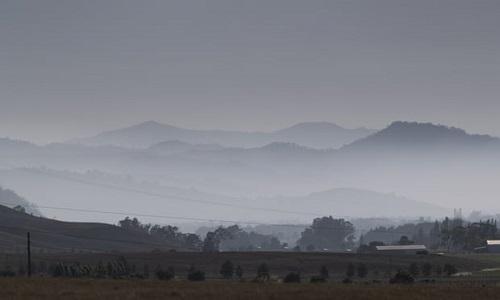 Ô nhiễm không khí bùng phát ở Australia do cháy rừng - Ảnh 1