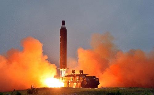 Liên Hợp Quốc thông qua dự thảo nghị quyết giải trừ vũ khí hạt nhân của Nhật Bản - Ảnh 1