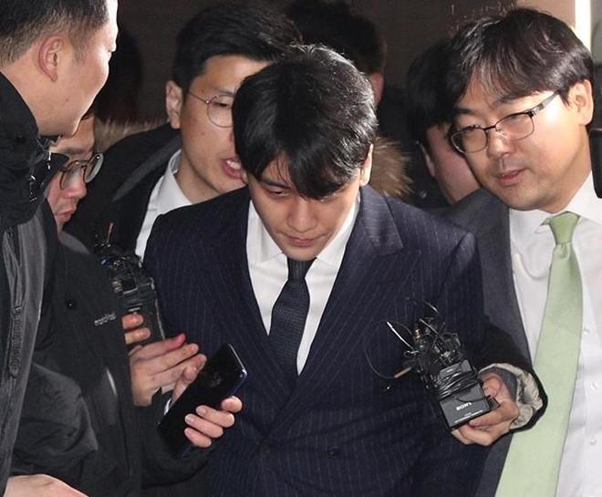 Luật sư nói Seungri bị gài bẫy trong vụ môi giới mại dâm - Ảnh 1