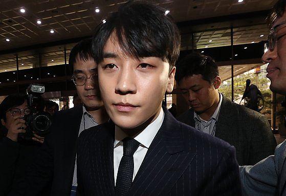Seungri chính thức bị buộc tội môi giới mại dâm và biển thủ công quỹ - Ảnh 1