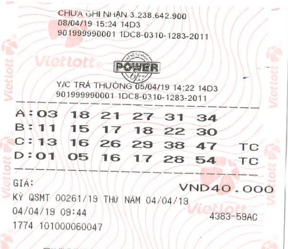 Chủ nhân may mắn trúng jackpot trị giá hơn 3,5 tỷ đồng đã đến nhận giải - Ảnh 1