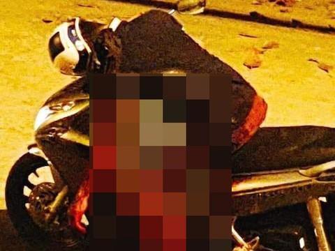 Sau ẩu đả, người đàn ông bị đâm tử vong trên xe máy - Ảnh 1