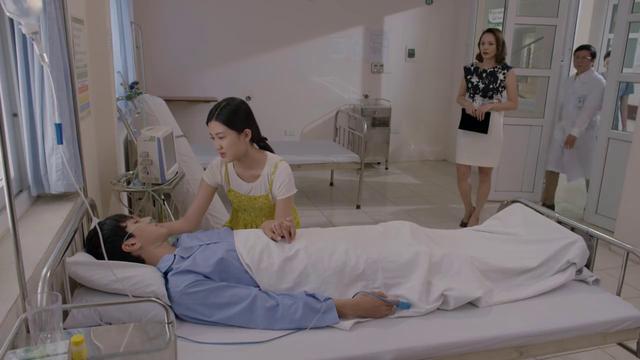"""""""Những cô gái trong thành phố"""" tập 30: Nữ đại gia đến thăm Tùng, ai ngờ đụng mặt Mai - Ảnh 1"""