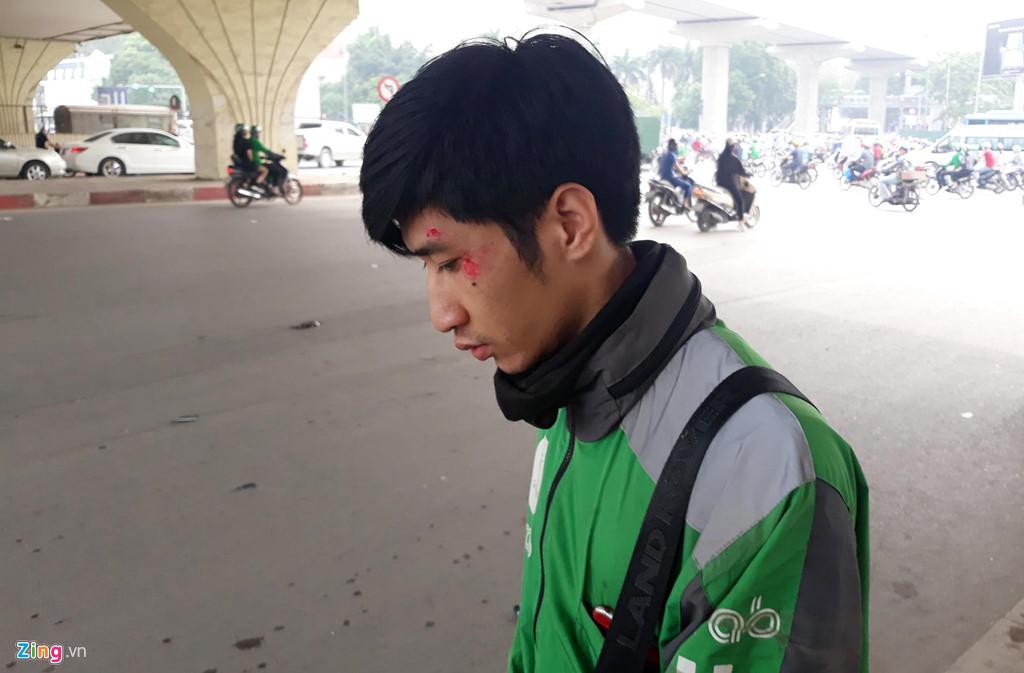 Hiện trường vụ tai nạn liên hoàn ở Hà Nội khiến 3 người nhập viện - Ảnh 4