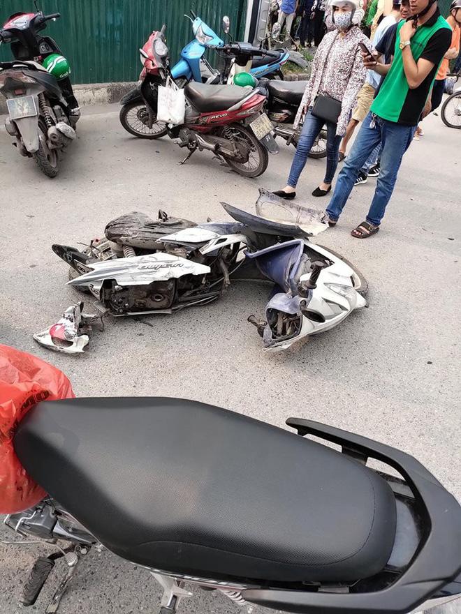 Hiện trường vụ tai nạn liên hoàn ở Hà Nội khiến 3 người nhập viện - Ảnh 1
