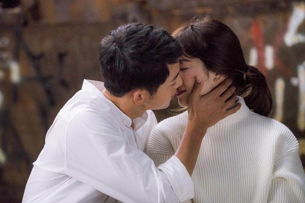Song Joong Ki - Song Hye Kyo: Yêu nhanh, cưới vội và cuộc hôn nhân không như cổ tích - Ảnh 2