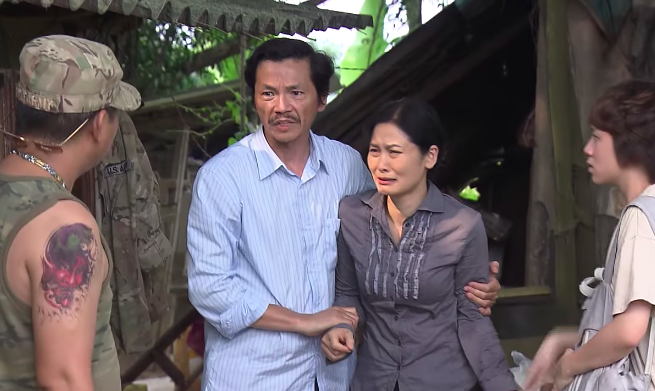 Phim Về nhà đi con tập 74: Dương tỏ tình với cô Hạnh hộ bố Sơn - Ảnh 3