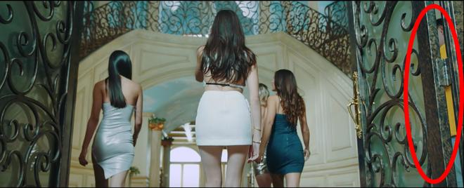 """Ánh Dương bất ngờ xuất hiện trong MV """"Hãy trao cho anh"""" của Sơn Tùng? - Ảnh 1"""