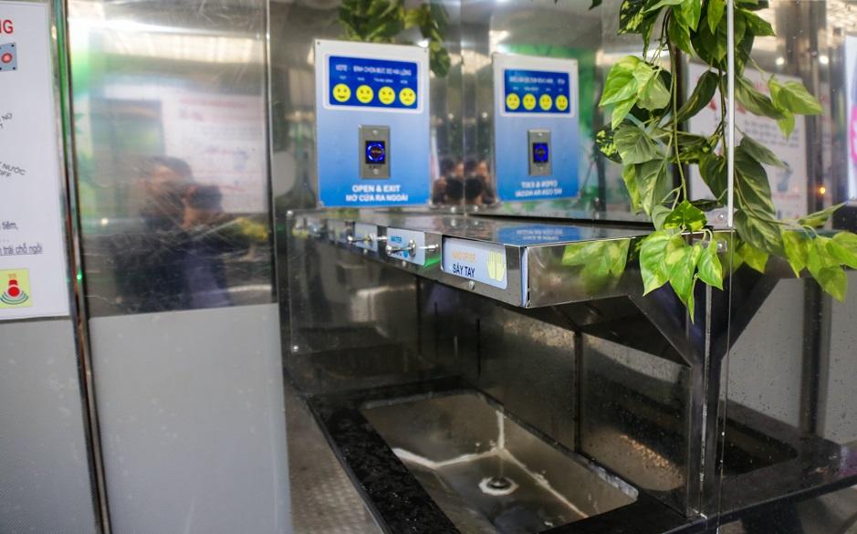 Bất ngờ những nhà vệ sinh công cộng hiện đại ở Việt Nam - Ảnh 4