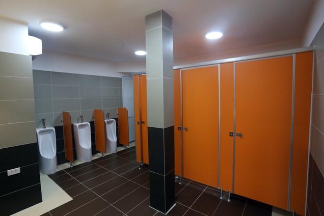 Bất ngờ những nhà vệ sinh công cộng hiện đại ở Việt Nam - Ảnh 9
