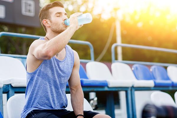 """Chơi thể thao """"đúng cách"""" để đảm bảo sức khỏe cho ngày hè - Ảnh 2"""
