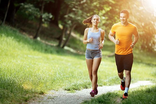 """Chơi thể thao """"đúng cách"""" để đảm bảo sức khỏe cho ngày hè - Ảnh 1"""