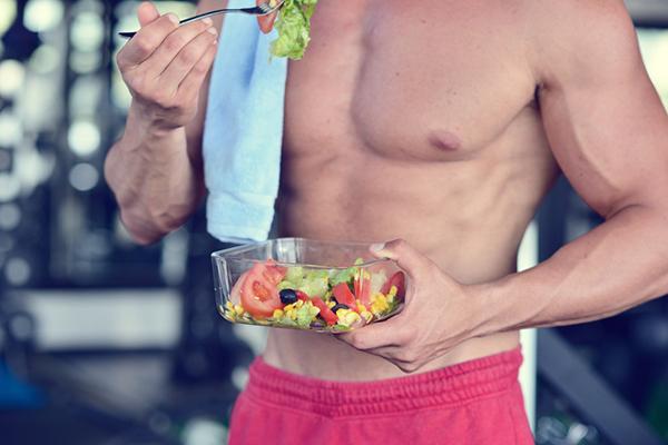 """Chế độ dinh dưỡng cho người tập gym: Có cần """"thuốc"""" tăng cơ? - Ảnh 1"""