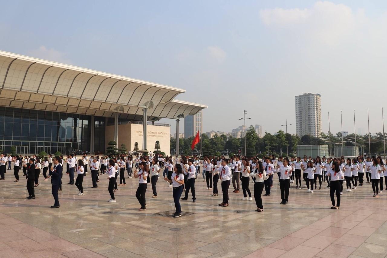 Công ty TNHH Điện tử Việt Nhật kết hợp với ĐH Đông Đô tạo môi trường thực tập chuyên nghiệp cho sinh viên tại công ty - Ảnh 4
