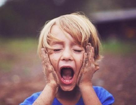 9 dấu hiệu cảnh báo trẻ tăng động giảm chú ý mà ba mẹ thường bỏ qua  - Ảnh 1