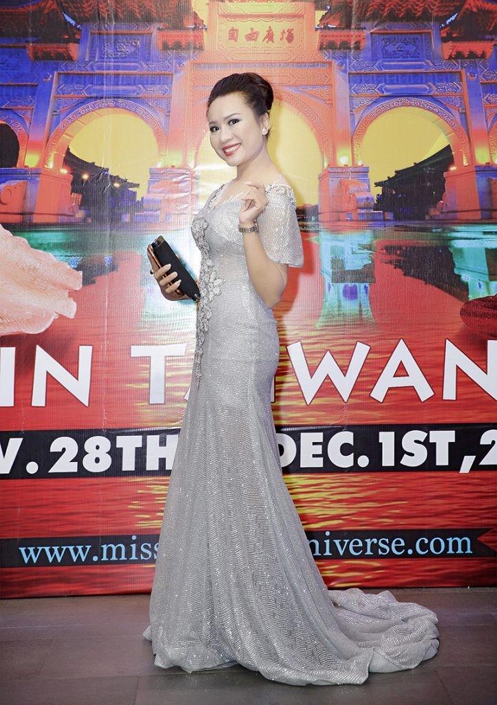 Giám đốc truyền thông Lê Phạm rạng ngời trên thảm đỏ Dạ tiệc ra mắt doanh nhân - Ảnh 3