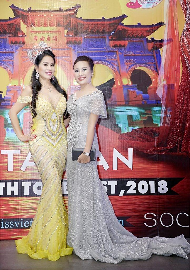 Giám đốc truyền thông Lê Phạm rạng ngời trên thảm đỏ Dạ tiệc ra mắt doanh nhân - Ảnh 7