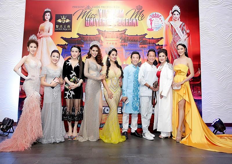 Giám đốc truyền thông Lê Phạm rạng ngời trên thảm đỏ Dạ tiệc ra mắt doanh nhân - Ảnh 2