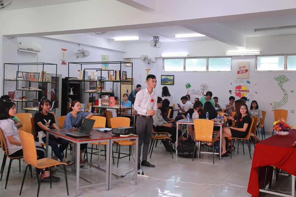 Sinh viên HUFI sáng tạo không gian làm việc và học tập cho sinh viên - Ảnh 5