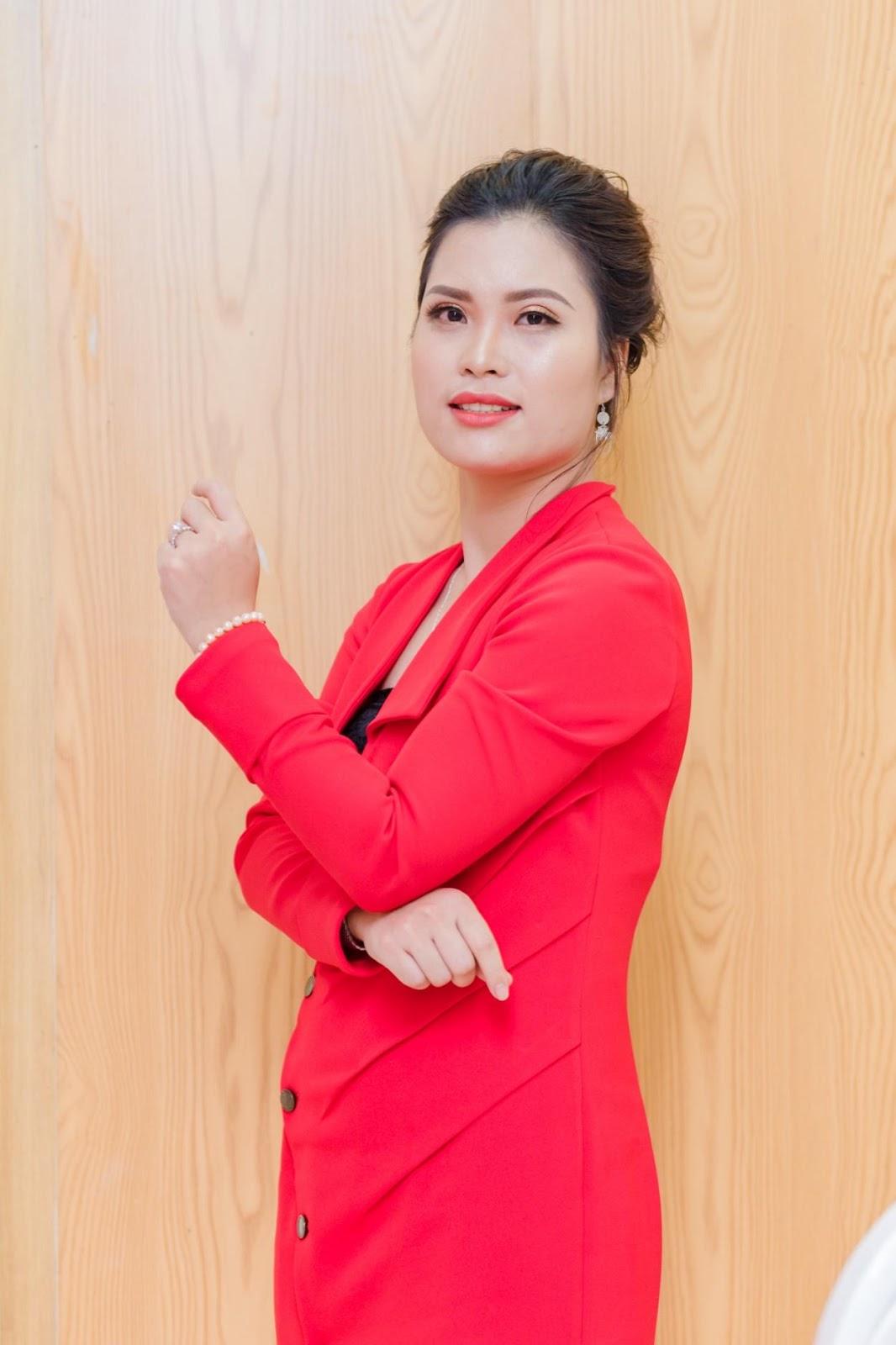 Chân dung cô giáo Nguyễn Bình - Người tâm huyết với ngành giáo dục đào tạo làm đẹp tại Việt Nam - Ảnh 1