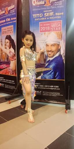 Tạ Phương Hà Linh - Cô bé gang thép quán quân của cuộc thi Intrernational Oriental Xpression Dance Festival, Malaysia  - Ảnh 3