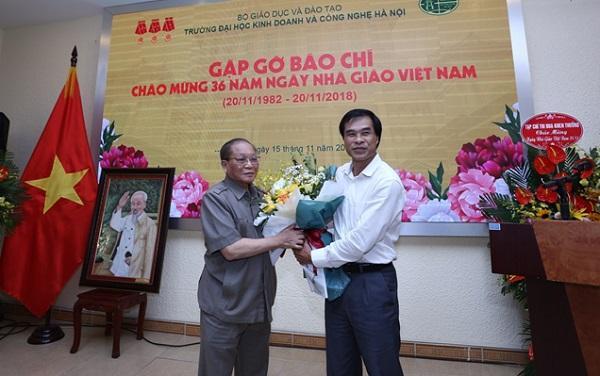 36 năm ngày Nhà giáo Việt Nam 20/11/1982 - 20/11/2018 Trường Đại học Kinh doanh và Công nghệ Hà Nội tổ chức gặp gỡ báo chí  - Ảnh 5